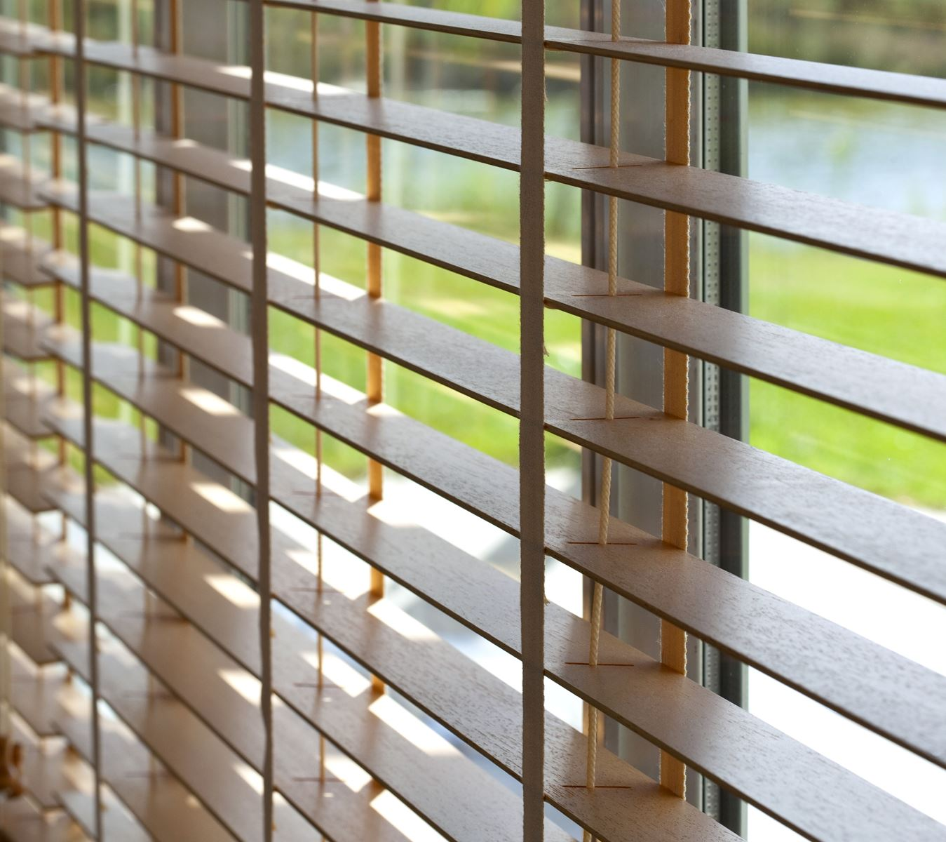 Venetian blinds singapore wooden pvc and aluminium - Persiana veneciana pvc ...