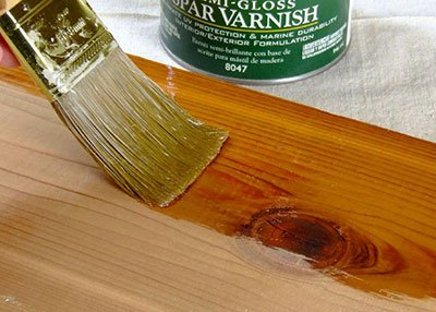 protect-furniture-varnish